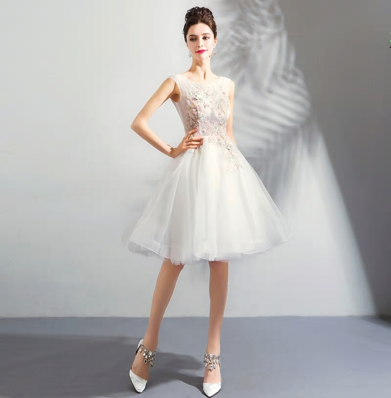 Krátke spoločenské šaty  - Obrázok č. 4