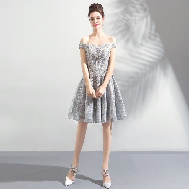 Krátke spoločenské šaty do veľkosti 44 - Obrázok č. 1