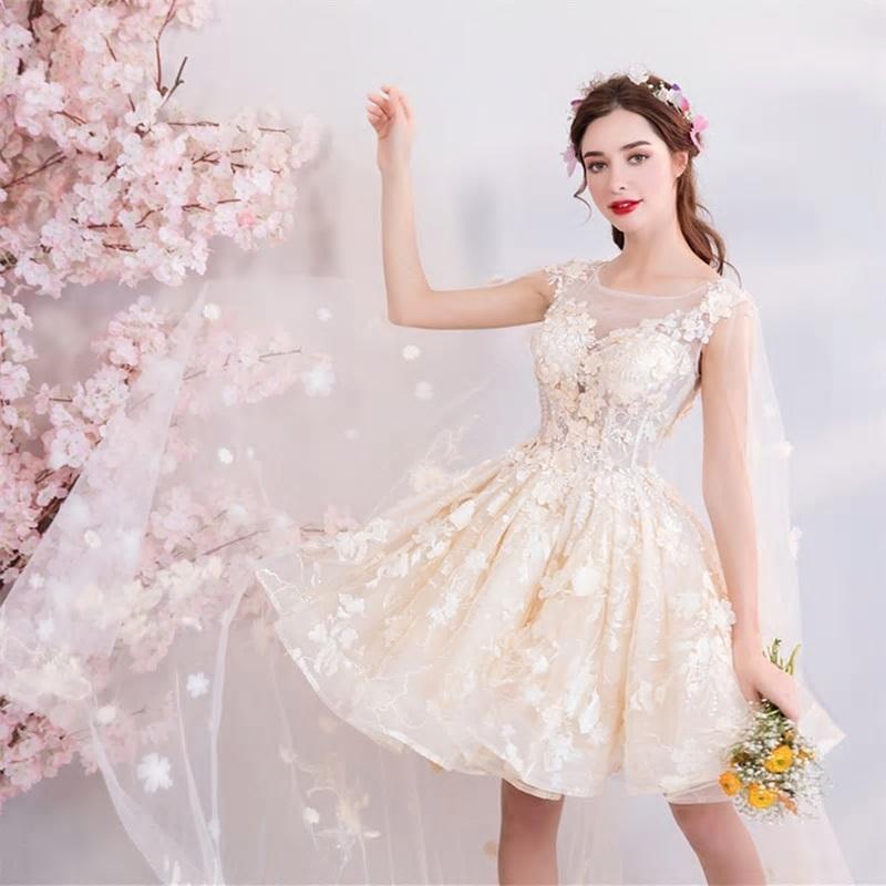Krátke spoločenské šaty pre MOLETKY do veľkosti 58 - Obrázok č. 3