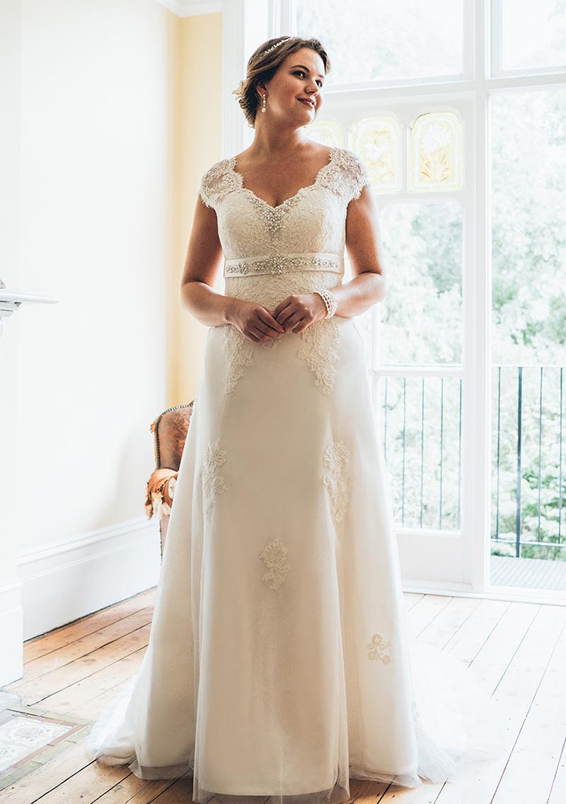 Svadbné šaty - veľ. 32 až 58 - Obrázok č. 1