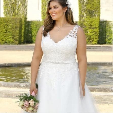 Svadobné šaty do veľkosti 56 - Obrázok č. 3