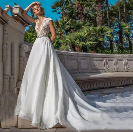 Svadobné šaty do veľkosti 54 - Obrázok č. 1