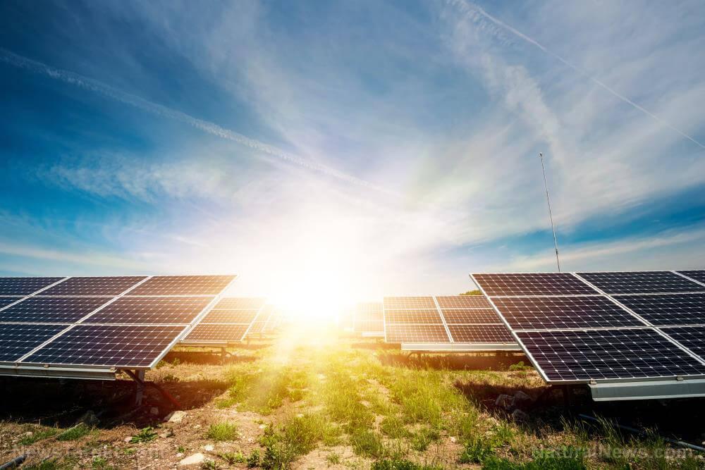Solární panely a dotace.  Máme naceněno od 3 firem. Jedná se o S-Power, SVP Solar a Sun Pi. Koho by zajímaly podrobnosti, tak máme prozatím vybráno: fotovoltaiku kolem 5 kWp, baterii Pylon H48050 9,6 kWh, měnič GoodWe GW10K-ET a kotvení na plochou střechu.  Jak se ale rozhodnout? Žádné pořádnéreference v okolí nemáme, takže to vypadá, že vezmeme tu levnější nabídku (cca 60 tisíc rozdíl)... - Obrázek č. 1