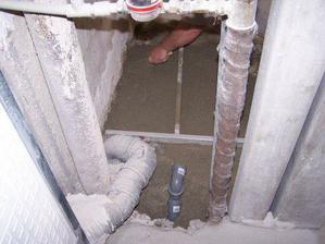 nove potrubie na WC