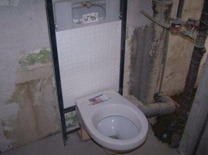 osadenie noveho WC ALCAPLAST