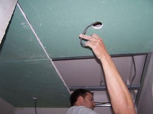 natahovanie kablov pre bodove svetla 220V