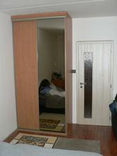 ... i s novýma dveřma