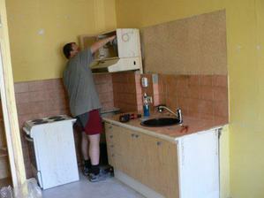 rozebirani stare kuchyne