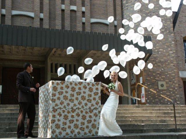 Michal a Barbora : Príprava na našu elfskú svadbu - vypúšťanie balónov je super