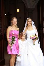 Twin sisters - svědkyně, družička, nevěsta