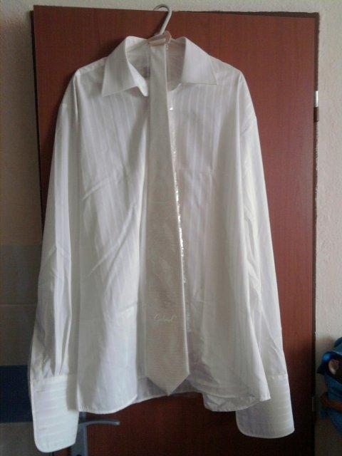 Linda & Jani - svadobná košeľa, no len dokrčená :P