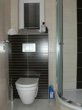 spodní WC, obklad Madera
