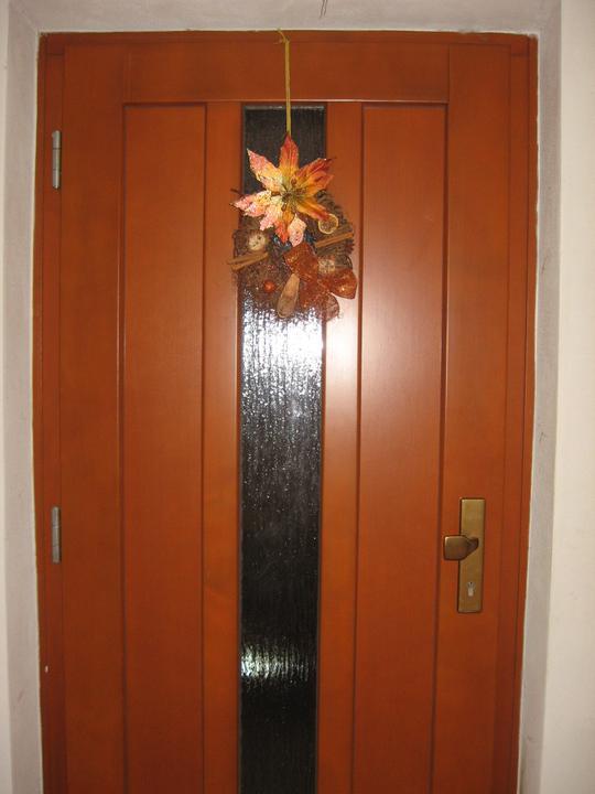 ... čo sa nám pači .... - Vchodove dvre len odtieň zlatý dub ..