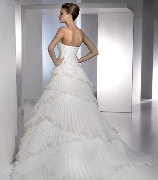 Svadobné šaty. - Obrázok č. 1