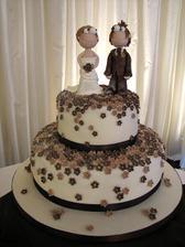 netradičná svadobná torta...
