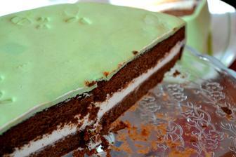 a bořek na řezu, hutně čokoládový s mascarpone krémem