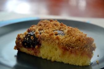 A na podzim nesmí chybět kynutý švestkový koláč - bezlepkový