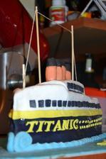 """Kubánský """"Titanic"""" dort - čokoládový korpus, banány + pařížská šlehačka"""