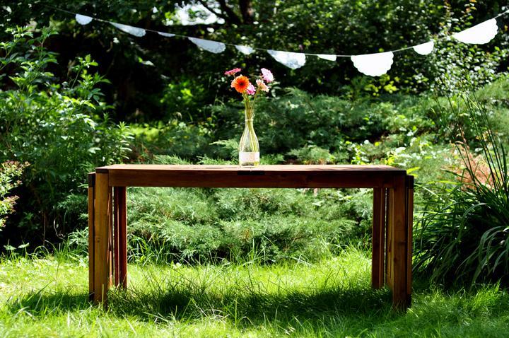 Trojanův mlýn - není promo firmy :-))) - oltář, jinak náš stůl z terasy