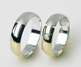 mojí polovičky prsten..s jedním briliantem a samozřejmě větší :)