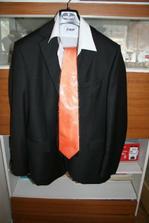 oblek a kravata pro ženicha