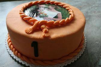 dort k 1. výročí svatby z cukrárny kde nám dělali svatební dort - oba byly výýýýbornýý