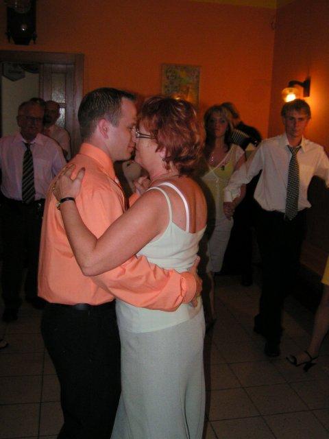 Manžel s maminkou