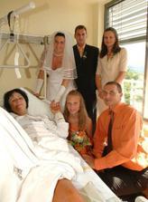 za tetičkou v nemocnici