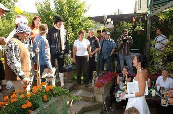 oslava na zahradě