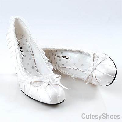 Už sa to blíži :o))) - topánočky ako pre mňa...len menší podpätok, aby som vydržala až do rána:o)