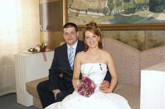 Novomanželé Bártovi