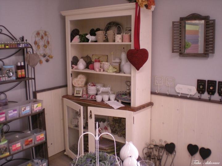 Drevo a biela v kuchyni - Obrázok č. 34