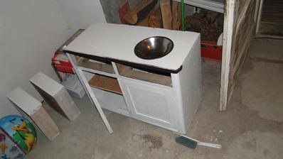 stara skrinka z povaly posluzi ako kuchynka do detskej izby