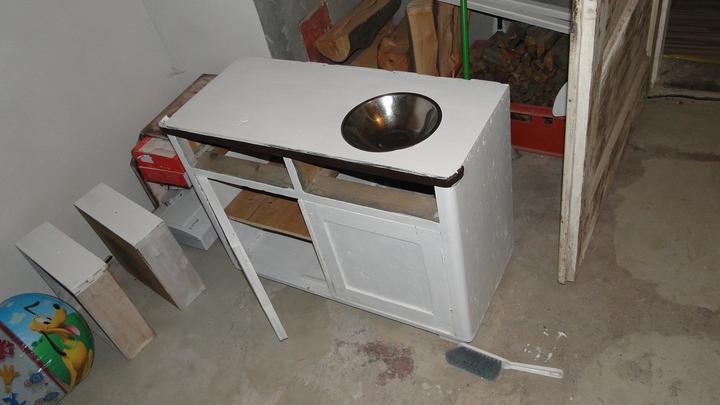 Bejvavalo - stara skrinka z povaly posluzi ako kuchynka do detskej izby