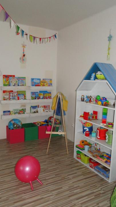Bejvavalo - este jedna aktualna z detskej izby. na boxy chcem este vyrobit skrinku ako predavaju v ikei