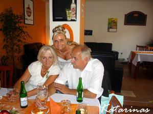 s mamkou a taťkem :-)))