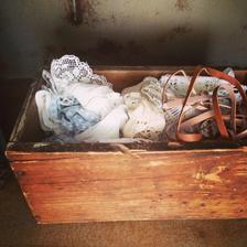 starý dřevěný šuplík od šlapacího šicího stroje... a bazarové nálezy a důležitostě