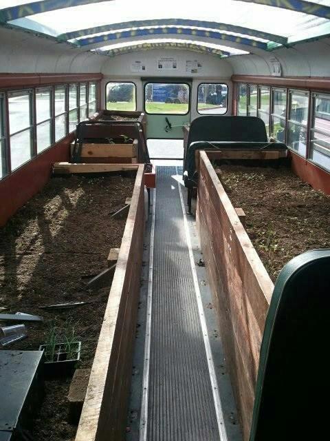 Zahradní ... - A tohle je recyklační king! Autobus skleník.