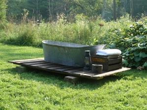 A tady začíná kapitola zahradní koupelny ...