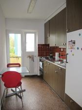 pozitiva - vyborna retro kuchyn :)