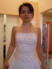 Tak tyhle jsou z Nevěsty, vypadali moc hezky, ale moje ségra mi řekla, že v nich vypadám jako ona, tak jsme je zavrhli... :-)