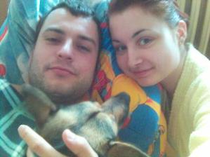Tak to jsme my. Zatím tříčlená rodinka... :-)