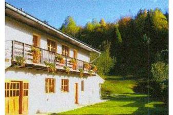 Tak to téhle krásné horské chatičky pojedeme na první týden svatební cesty. Oravský Biely Potok. Krásná příroda, mnoho pamatek, Tatry..... co dodat... :-)