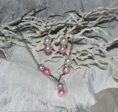 Svatební bižuterie k bílo-růžovým šatům