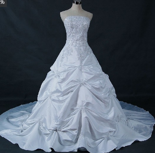 Moje vysnívane šaty :-) - Strašne sa mi páčia