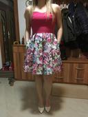 Kvietkovane šaty, M