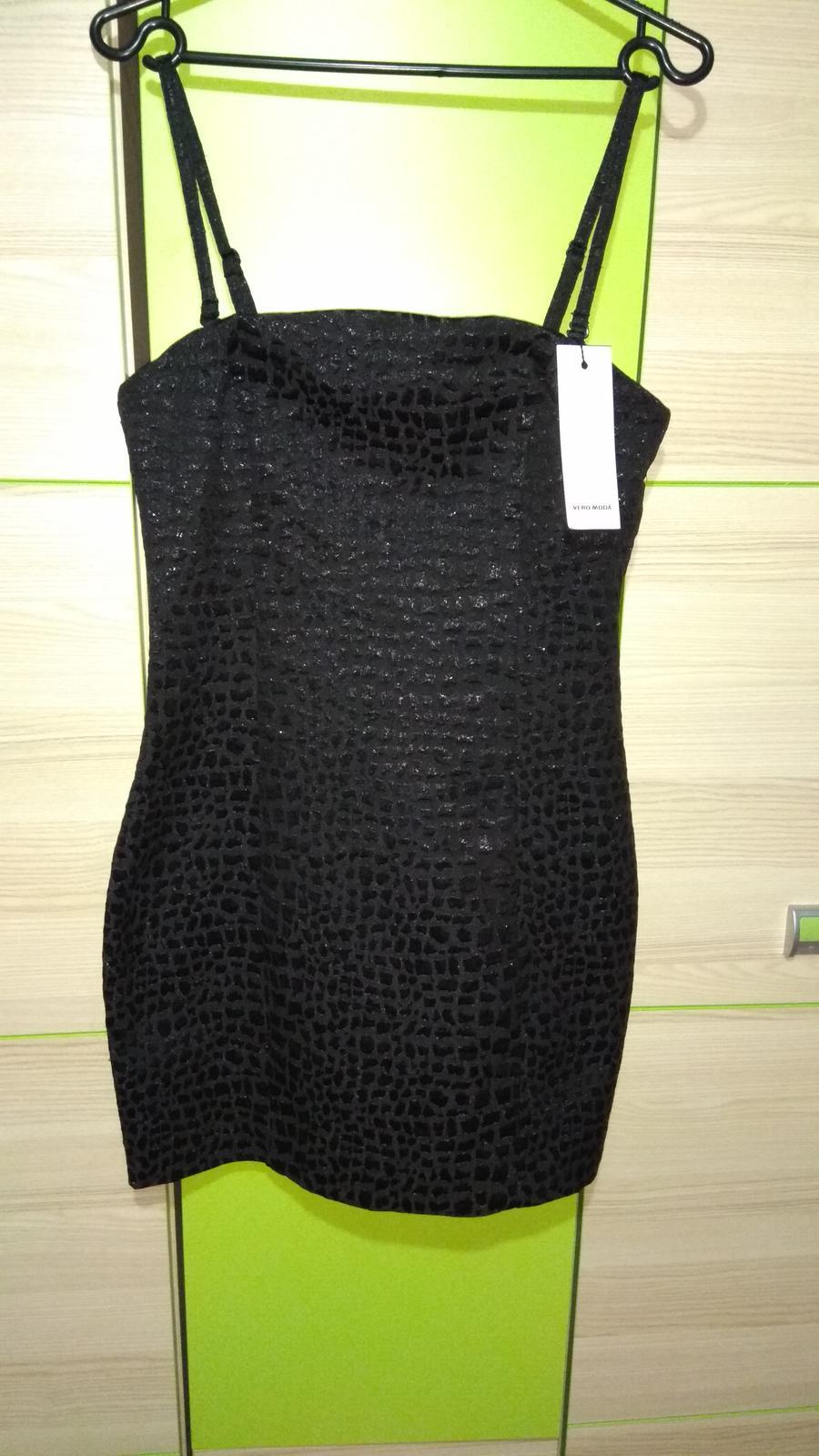 kokteilove šaty s visačkou - Obrázok č. 1