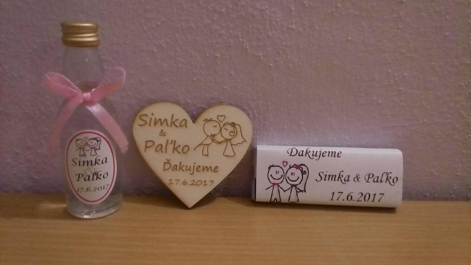 Začíname S&P :) - fľaštička a čokoládka na redovy a magnetka ako darček :)