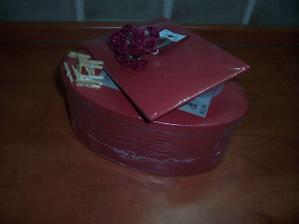 Obálky, krabičky, kytičky na myrtu, kolíčky na ?