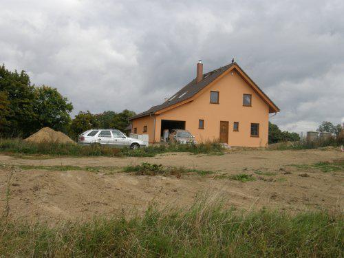 Kallovci staví domeček - také vypůjčeno